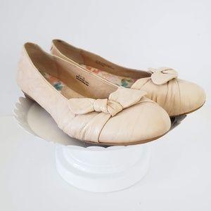 Born Cream Bow Leather Ballet Flats 9.5